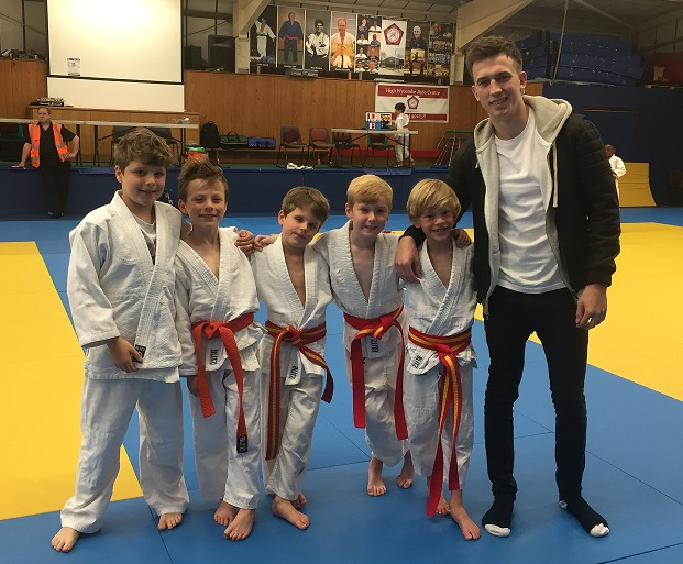 IAPS young team with Aaron